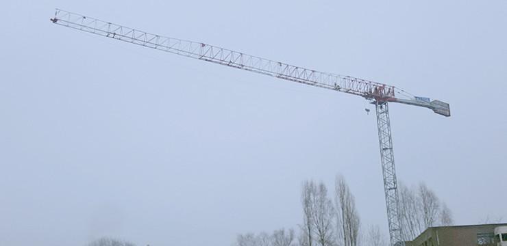 Dalbe torenkraan Sky760 voor DCA te Kontich