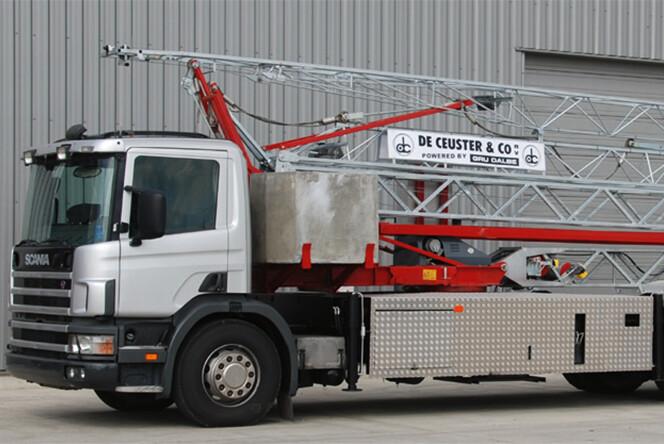 HS211 Truck snelmontage bouwkraan De Ceuster 01